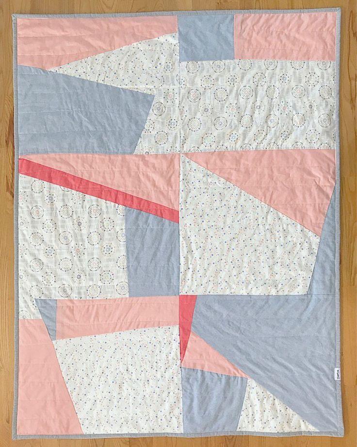 Courtepointe jetée Basties - Handmade quilt - https://www.etsy.com/ca-fr/listing/543129908/courtepointe-jetee-moderne-faite-a-la