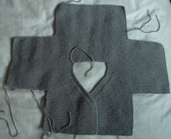 cardi_2b  ~inspiration- crochet this shape to create baby cardi similar to cardi shown in adjacent pin~  bras5
