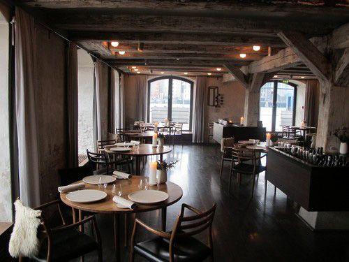 """Nesta edição do programa, vamos conhecer o restaurante dinamarquês Noma, que ficou em primeiro lugar na lista dos 50 melhores do mundo, publicada pela revista britânica """"Restaurant"""" no ano passado. A premiação dessa revista é muito autoritária e considerada como o Oscar da..."""