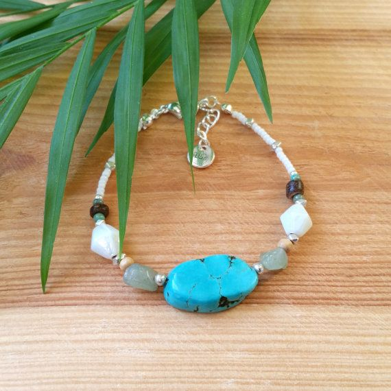 Gypsea bracelet - White seed beaded bracelet with wooden beads, coconut beads, green aventurine and a turquoise coloured howlite stone slab by FlorAccessoires