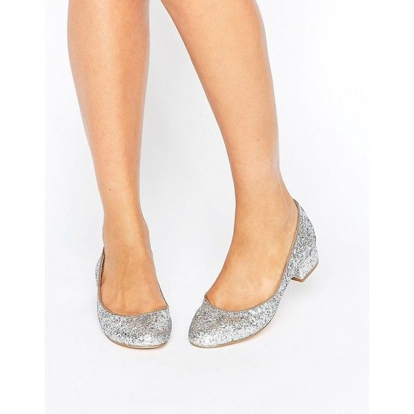 London Rebel Block Heel Glitter Ballerina ($47) ❤ liked on Polyvore featuring shoes, flats, silver, glitter flats, low heel flats, low block heel shoes, ballerina shoes and round toe ballet flats