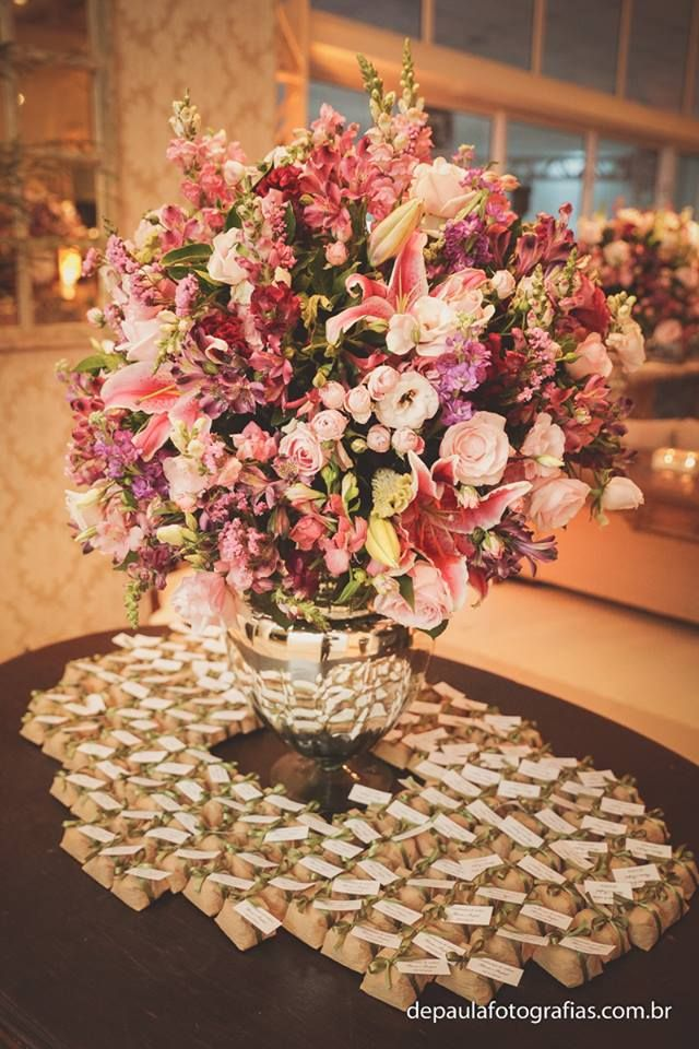 Weddings-arrangement-well-married-vanderli-viel-flores