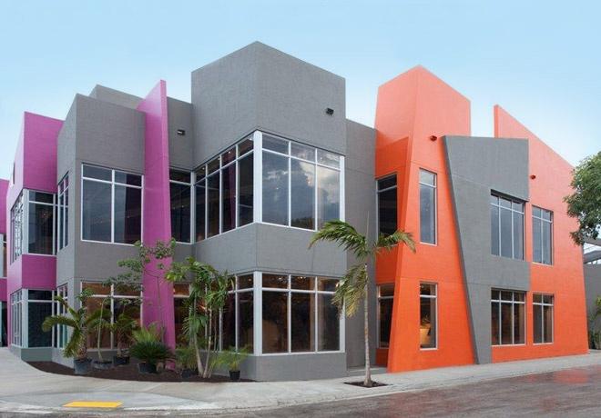12 melhores imagens de fachadas pintadas com muita cor no for Fachadas de casas en miami florida