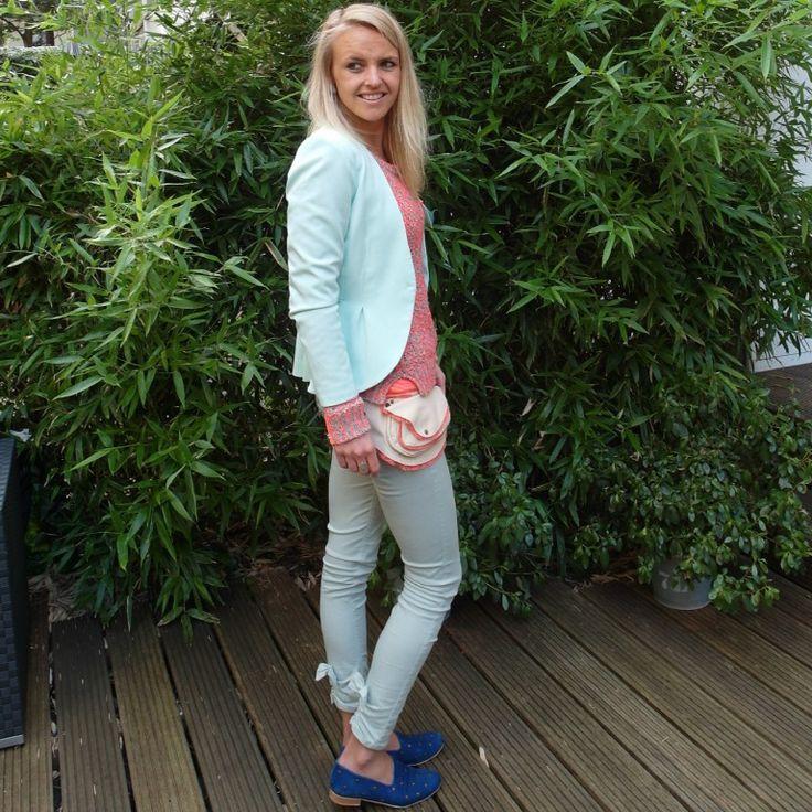Susanne van Bag at You die de een heel leuk artikel heeft geschreven op haar site: http://bagatyou.com/hipp-bag/