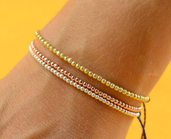 Sterling Silver beaded friendship bracelet por Zzaval en Etsy