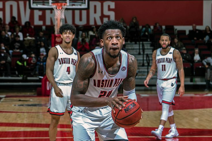 APSU Govs Basketball beats Eastern Illinois at the Dunn Center, 70-54