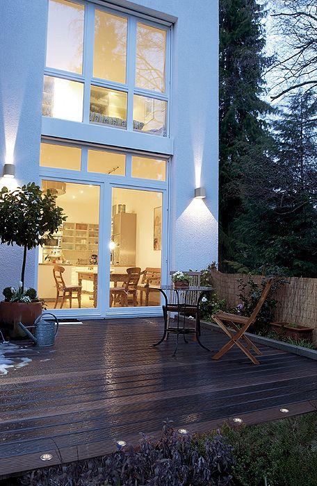 Fassadenbeleuchtung, Hausbeleuchtung, Garagenbeleuchtung - Schrack Technik
