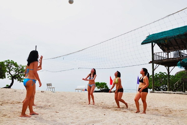 Playing Volleyball on Sepoc Beach.