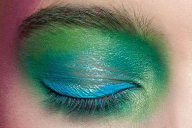 Summer Pastel eyes.Green is so wonderfull color and you can used it whatever is the color of your eyes  http://www.i-live.gr/th-pastel-makigiaz/# #woman