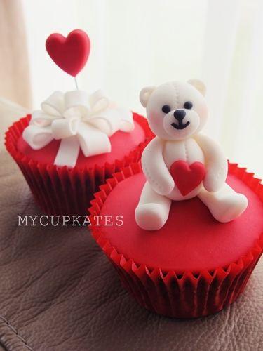 MyCupKates - Cakes, Cupcakes & Cookies: Valentine's Day Cupcake