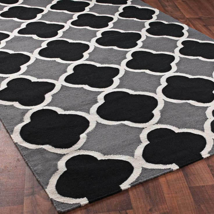 Quatrefoil Dhurrie Ruga Trellis Rug Is Stylish Black And White With Gray Merging The Colors