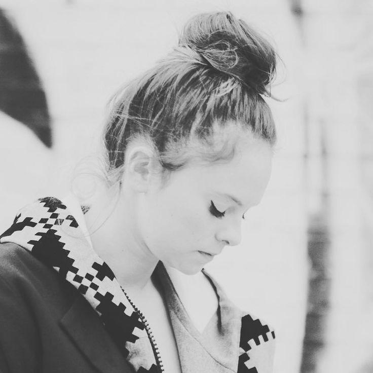 #FrancescaMichielin Francesca Michielin:  #Lontano #newvideo