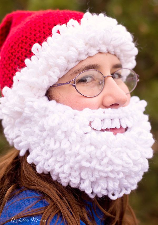 Ashlee Marie: Double loop crochet Santa beanie pattern – infant to adult sizes. Beards pattern (4 sizes) here:  http://ashleemarie.com/double-loop-crochet-santa-beard-pattern/