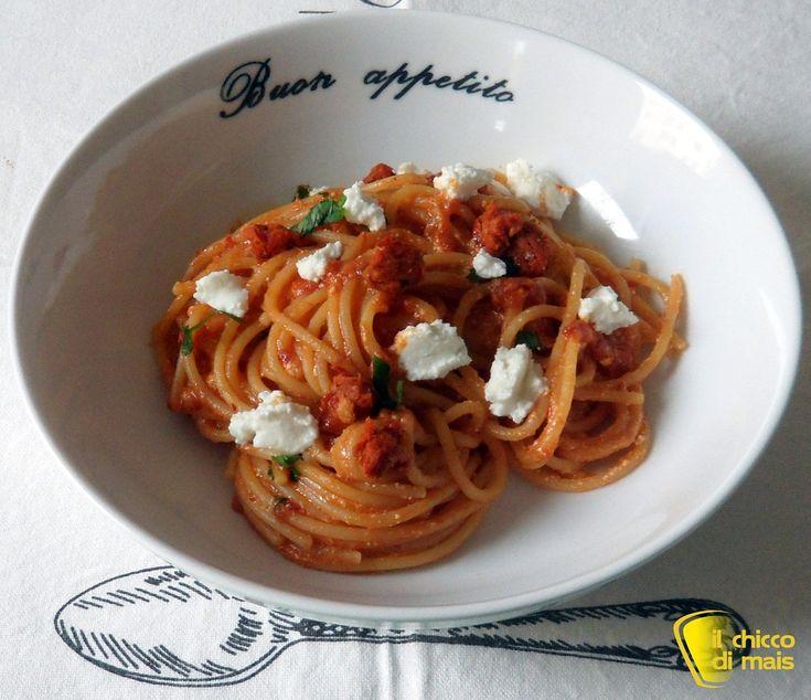 #Pasta alla '#nduja e #ricotta #ricetta #calabrese il #chiccodimais #calabria #italia #italy #recipe #piccante #hot #spaghetti #cheese http://blog.giallozafferano.it/ilchiccodimais/pasta-alla-nduja-e-ricotta-ricetta-calabrese/