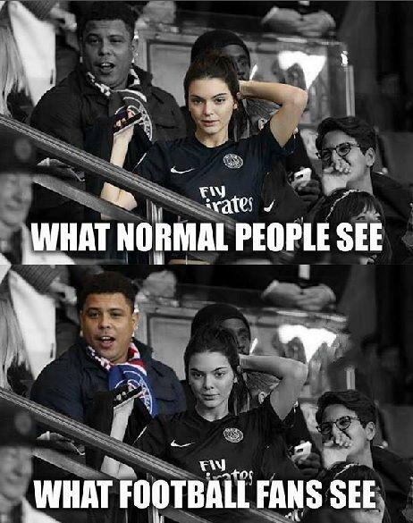 Co widzą normalni ludzie, a co widzą fani futbolu • Ronaldo vs piękna kobieta • Śmieszne zdjęcia w piłce nożnej • Wejdź i zobacz >> #Ronaldo #Soccer #Sport #Football #Piłkanożna