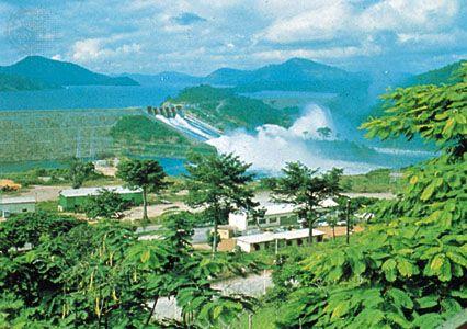 Akosombo Dam at Lake Volta