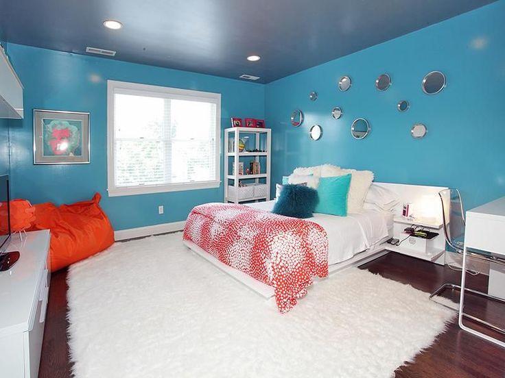 Eclectic Kids Bedroom with Moes Home Collection XU-1000 Pillows Home Decor, Built-in bookshelf, Teen bedroom, Hardwood floors
