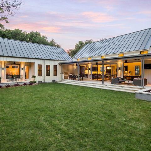 441 best barn fab prefab homes images on pinterest for Modular farmhouse texas