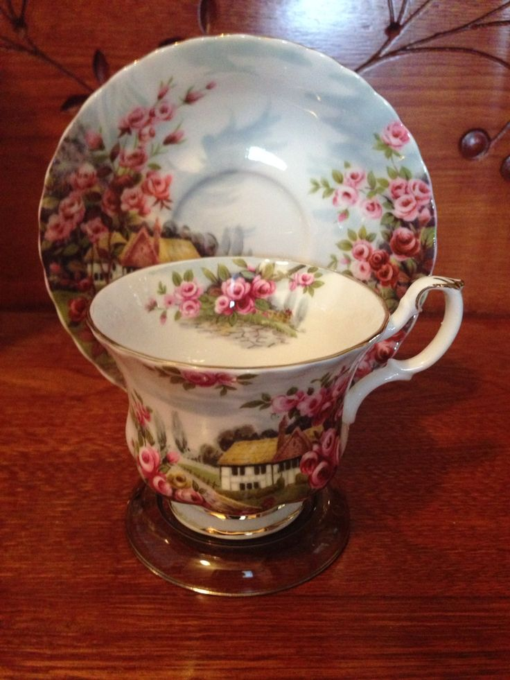 Royal Albert - Country Scenes, Rose Cottage. Researched Value $29.99