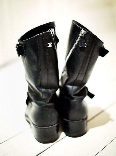 Wanted : une paire de boots Chanel !