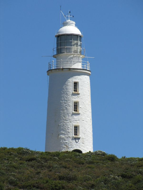 """A visit to Cape Bruny Lighthouse inspired by """"The Lightkeeper's Wife"""", a novel by Karen Viggers. Article for www.think-tasmania.com"""
