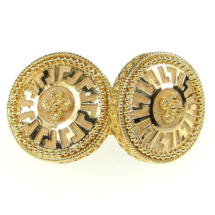 Materials 18k Gold. Specifics The cuff links are 5/8 inch by 5/8 inch and weigh approx 9.1 grams.