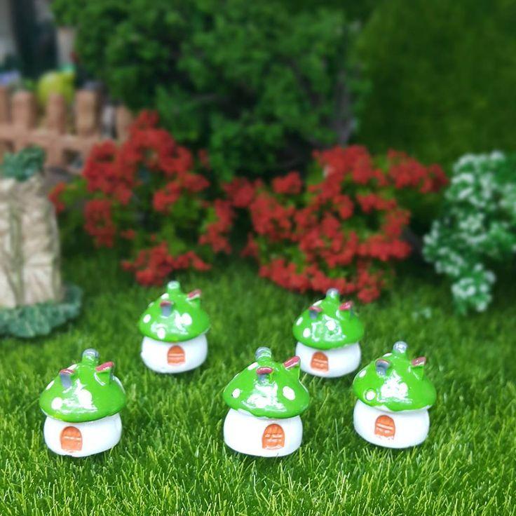 Mini mantarlariniz (yeşil, sarı,kırmızı, pembe renkleri mevcut) . . . . #teraryum #miniobje #minibahce #handmade #instagood #insta #sunum #dekor #bahçe #terarium #like4like #hediye #farklı #mygarden #gardenmakeover #mimar #peyzaj #dekor #sunum #mantar #balkonkeyfi #balkon #saksi #teatime #bodrum #datça #şirince #coffeetime flowers #sukulent #kaktüs #hobi http://turkrazzi.com/ipost/1525592459147725566/?code=BUr_kI3g8r-
