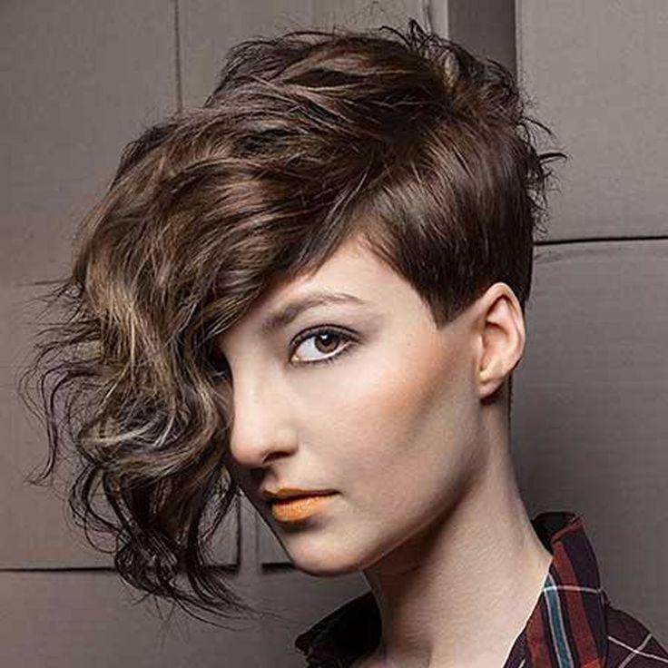 La dernière conception 2018 Undercut Hair Design pour filles – Pixie + Haircut Short