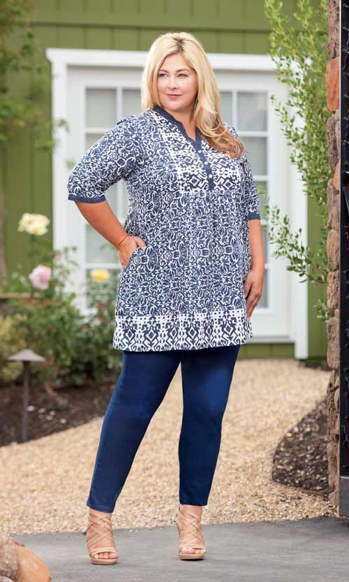 KYLEIGH TUNIC / Our Kyleigh Tunic has moroccan flair and is made for sunshine! / Lightweight, breathable fabric / Front button placket / V-neckline / 3/4 sleeves / 100% cotton / Plus Size Fashion for Women #plussize #plussizefashion #summer #summertunic http://www.makingitbig.com/product/kyleigh-tunic