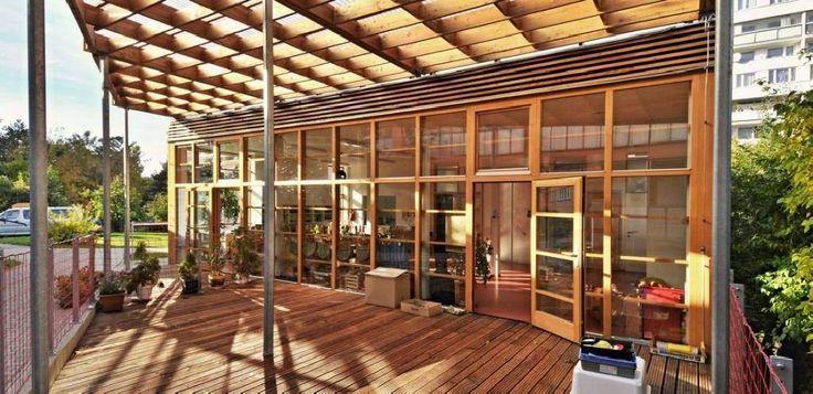 terasa domu - spojení se zharadou, lesem; huť architektury martin rajniš