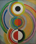 ソニア ドローネ Sonia Delaunay   1885 - 1979.12.5  フランスの画家。 ウクライナ生まれ。 旧名ソニア テルク。 ドイツのカールスルーエ、パリのアカデミ・ドゥ・ラ・プラネットで学ぶ。1910年ロベール・ドローネと結婚し、ロベールの「窓」シリーズがアポリネールにオルフィスムと名づけられた後、夫とともにオルフィスムを追求する。とくに織物、布地のデザインなどで活躍し、'41年ロベールの死後は、'59年ロベール・ソニア展、'67年ソニア回顧展、'75〜76年にソニア栄光展を開催したほか、アルプらとロベールが構想していたサロン・デ・レアリテ・ヌーベルを創立した。'79年東京近代美術館でドローネ展開催中に死去した。