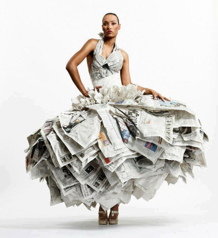 Vestido de papel de periodico