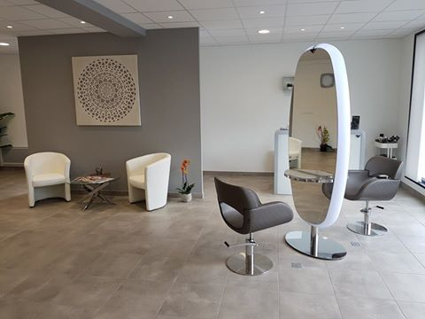 81 best Déco salon de coiffure ! images on Pinterest | Hair dos ...
