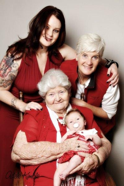 how awesome to be able to have a four generations photo
