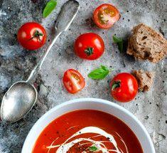 Пять оригинальных томатных супов со всего мира.Приготовление томатных супов — явление мультикультуральное. Рецепты наваристых супов со спелыми помидорами можно найти в кухнях большинства европейских, азиатских и латиноамериканских стран, каждый раз в новом исполнении и с добавлением оригинальных местных ингредиентов и трав.   Томатные супы можно приготовить и на основе консервированных томатов, но, конечно же, более полный и яркий вкус придадут спелые свежие помидоры. Практически для всех…