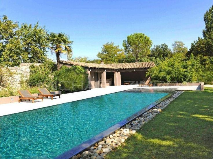 Piscine pool house piscine pool pinterest cabanes for Amenagement jardin 974