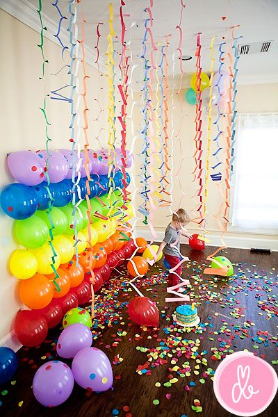 balloons as DIY photo backdrop