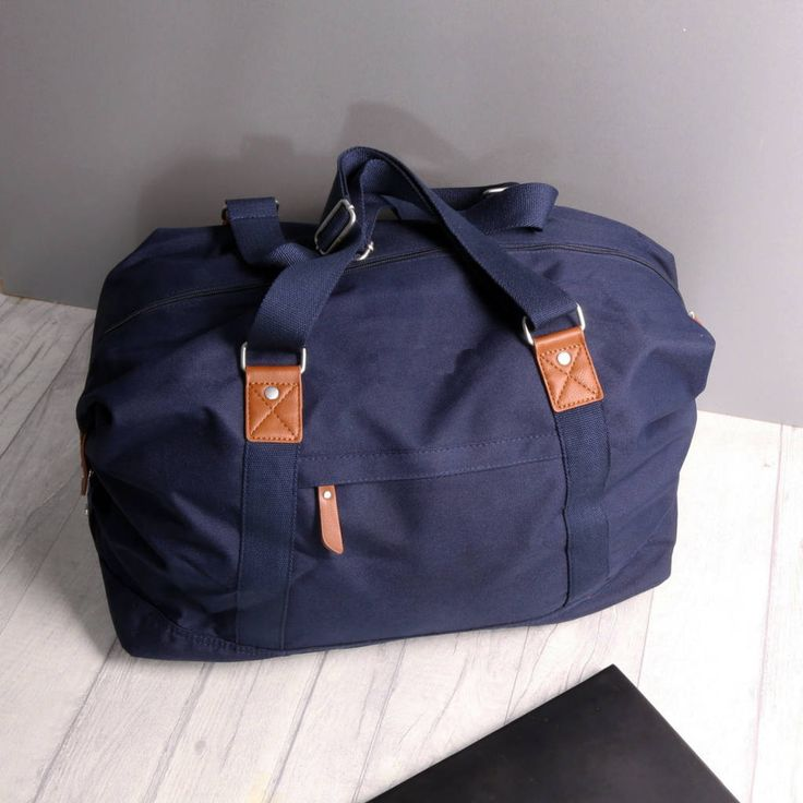 Are you interested in our Vintage Weekend Holdall Bag? With our Personalised Mens Gym Bag you need look no further.