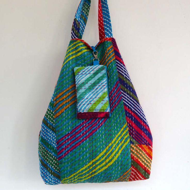 Sac cabas en patchwork de coton gaudri multicolores, doublé coton bleu uni . shopping bag : Autres sacs par akka-accessoires