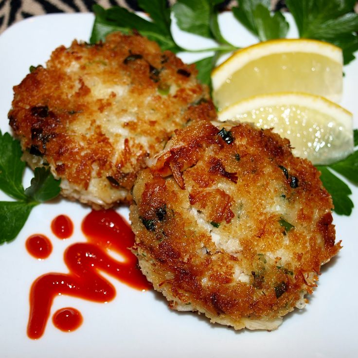 Pacific Northwest Dungeness Crab Cakes | Feral Kitchen - siracha for presentation