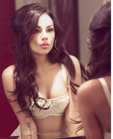 Janel Parrish (#PLL's Mona) |via fb