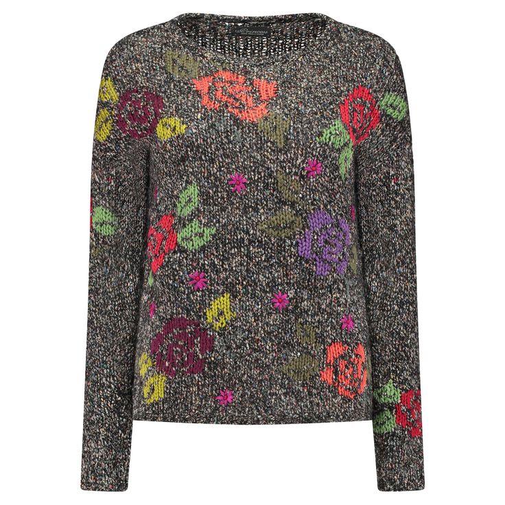 PRINCESS GOES HOLLYWOOD Gestrickter Pullover mit Blumenmuster ►  Ein dunkles Multicolour-Garn und aufgestickte Blumen geben dem Pullover von PRINCESS GOES HOLLYWOOD sein einzigartiges Finish, das wie von Hand gestrickt wirkt. Eine farbenfrohe Abwechslung in der kalten Jahreszeit!