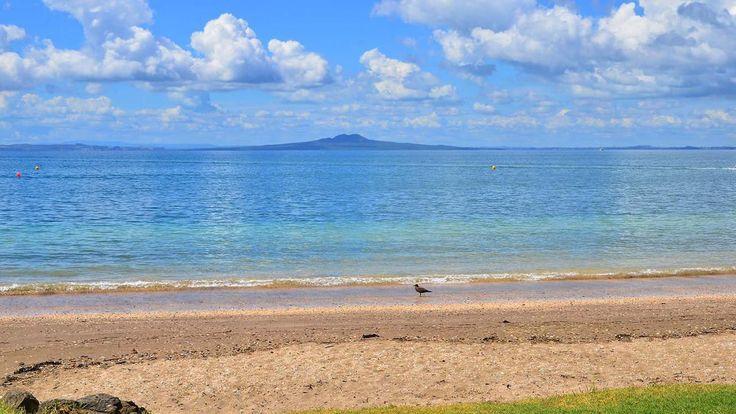 Stunning view of Rangitoto Island from Arkles Bay on the Whangaparaoa Peninsula