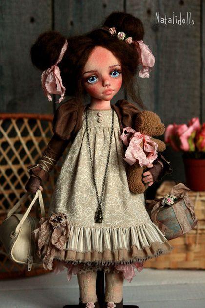 Handmade fabric art doll  /  Авторская текстильная кукла Стефания — работа дня на Ярмарке Мастеров.  Узнать цену и купить: http://www.livemaster.ru/podkidysheva