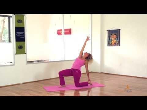 Clase de yoga para quemar calorías y tonificar tu cuerpo - Yogahora.com - YouTube