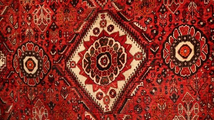 Irán - 1- Motivos de la alfombra iraní 2- El arte de la escultura 3- Museo del tiempo 4- Teatro Vahdat