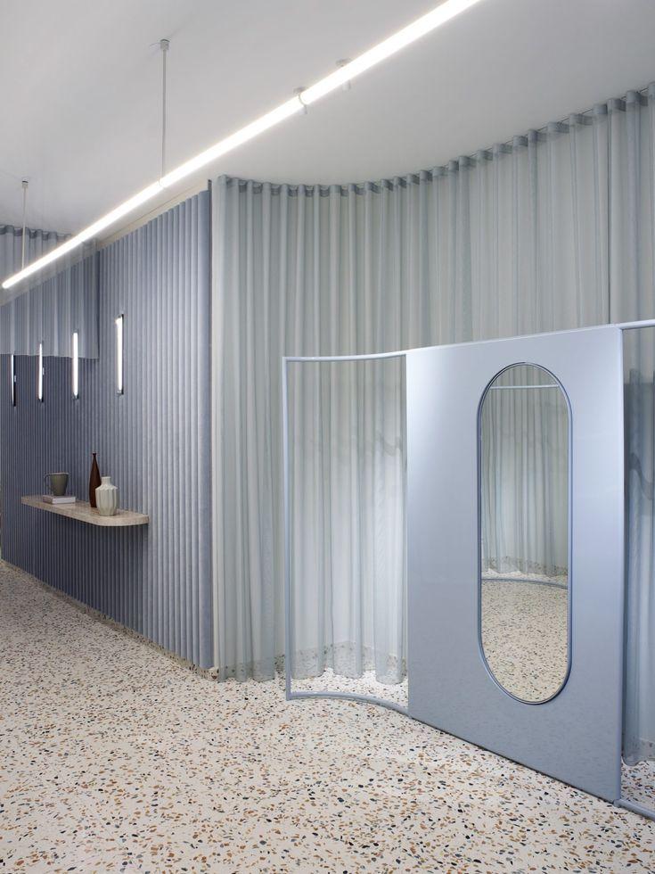 Elena Mora crée un concept store tout en contrastes pour