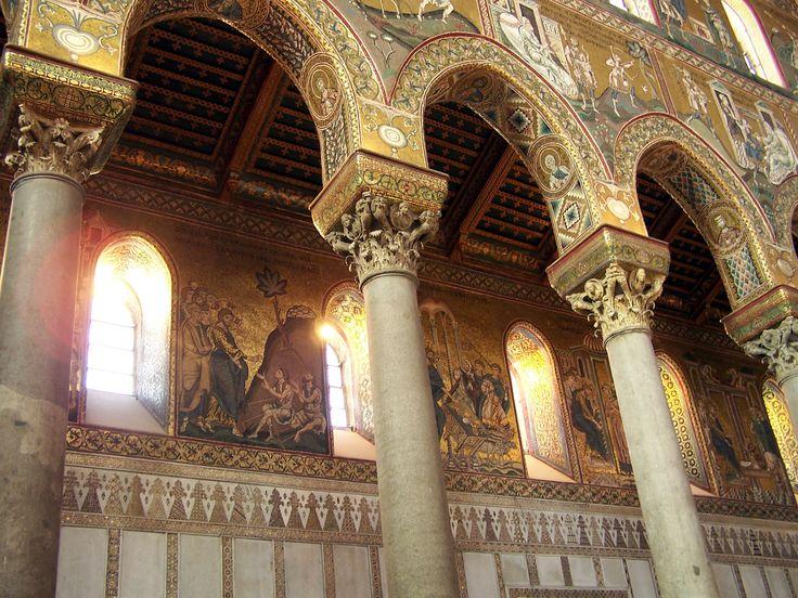 CENNI STORICI IL DUOMO DI MONREALE  L'ARCHITETTURA ROMANICA  L'ARCHITETTURA ROMANICA IN SICILIA Nella grande varietà di stili del romanico italiano, spicca il romanico dell'Italia meridionale e insulare www.angelolarocca.it #bizantina #architettura #history #cennistorici #Sanvitale #storia #art #Basilica #Bisanzio #Ravenna #Costantinopoli #Mosaico #Gotico #Medioevo #romanico #religioso #Sainte #SainteFoy #francia #Pavia #SanMichele #Modena #cattedrale #chiesa #Pisa #angelolarocca #sambrogio…