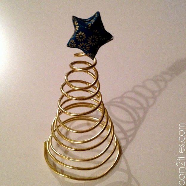sapin en fil alu dore - etoile origami