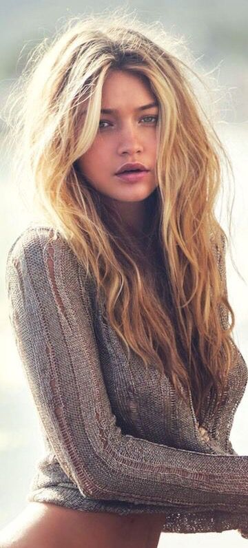 Gigi's messy beach waves